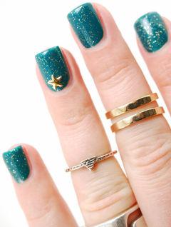 蓝色方形简约星星显白款,蓝色闪粉星星美甲美甲图片