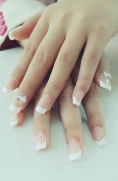 法式新娘简约日式可爱手绘粉色白色裸色不做美甲会死~美甲图片