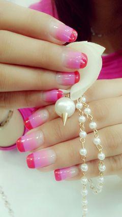 法式新娘简约日式可爱渐变手绘创意红色粉色白色甜美公主美甲图片