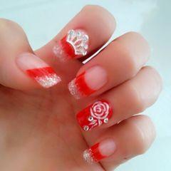 方圆形光疗新娘红色。美甲图片