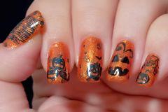 橙色黑色手绘可爱方圆形happy Halloween美甲图片
