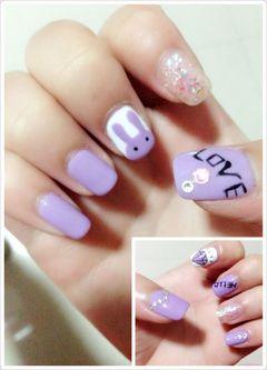 紫色可爱圆形手绘卡通黑色白色个性、可爱范儿!美甲图片