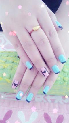 方圆形粉色蓝色黑色手绘清新甜美美甲图片