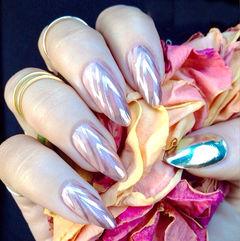 银色粉色蓝色简约手绘尖形高端金属质感的美甲美甲图片