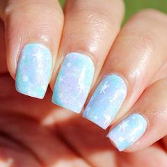 蓝色紫色白色简约手绘渐变方形不少亲爱的希望爱米推荐一款适合去海边的美甲,这款就很不错哦美甲图片