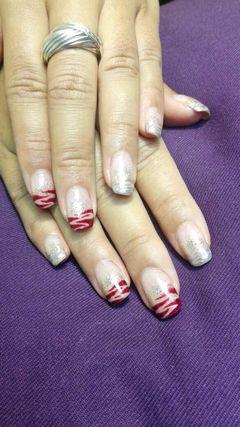 方圆形红色银色裸色法式手绘闪闪指尖配搭斑马纹。。。美甲图片