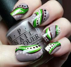 手绘其他黑色白色绿色灰色方圆形多彩条纹波点美甲图片