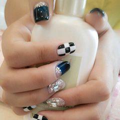 方形蓝色手绘黑色白色水钻银色美甲图片