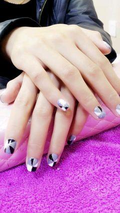 方圆形蓝色银色黑色手绘光疗纯手绘款式,四色撞色款式。美甲图片