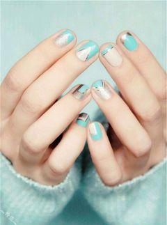 方圆形蓝色银色新娘可爱银色+蒂芙尼蓝 清新高大上美甲图片