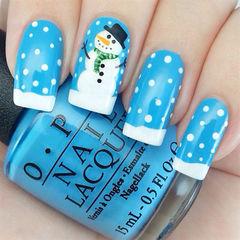 手绘可爱方圆形白色蓝色冬日可爱雪人款美甲图片