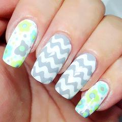 白色灰色绿色简约方圆形清新花朵波纹款美甲图片