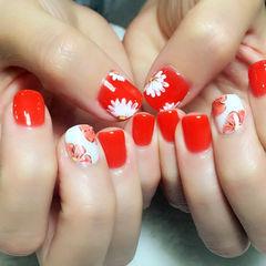 红色白色手绘圆形雏菊手绘亮眼款美甲图片
