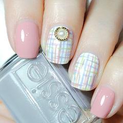 日式粉色蓝色手绘方圆形粉嫩嫩稚气格纹款美甲图片