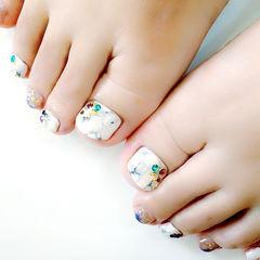 白色灰色简约脚方圆形简约石纹足部款美甲图片