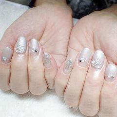 银色钻法式圆形简约新娘美甲图片