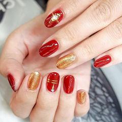 新娘新年红色金色简约钻金银线圆形新年美甲美甲图片