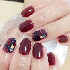 格纹红色简约圆形钻酒红色美甲美甲图片