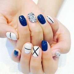 白色蓝色方圆形钻几何日式美甲图片