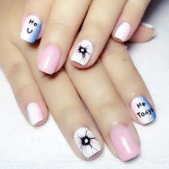 方圆形简约手绘蓝色粉色白色美甲图片