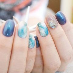 日式方圆形白色蓝色钻美甲图片