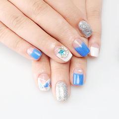 方圆形白色蓝色银色几何钻美甲图片