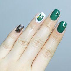 绿色手绘方圆形猫头鹰钻美甲图片