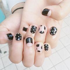 黑色白色波点反法式圆形手绘短指甲新款波点美甲美甲图片