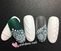 圆形日式手绘绿色白色甲片小花波西米亚➕毛衣美甲图片
