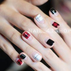方圆形简约韩式红色黑色格纹手绘法式美甲图片
