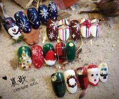 圆形可爱手绘圣诞绿色红色蓝色达人晨歌圣诞美甲美甲图片