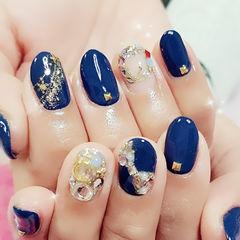 圆形日式蓝色钻美甲图片