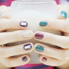 圆形绿色紫色韩式钻美甲图片