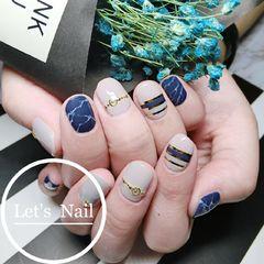 圆形日式手绘蓝色白色灰色金银线金属饰品石纹石纹美甲图片