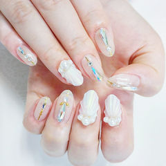 圆形裸色白色贝壳珍珠钻美甲图片