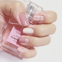 方圆形日式手绘粉色白色裸色线条跳色洋芋不说你懂什么美甲图片