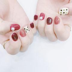 圆形红色豆沙色白色波点珍珠短指甲美甲图片