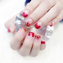 方圆形红色心形法式亮片新娘美甲图片