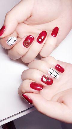 圆形简约手绘红色黑色白色线条钻线条 钻饰美甲图片