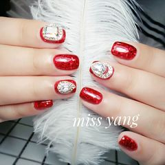 方圆形简约红色钻新娘显白显手白专题美甲图片