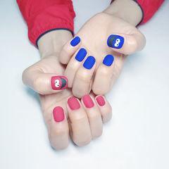 圆形红色蓝色手绘可爱磨砂美甲图片