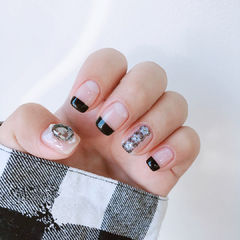 方圆形黑色法式珍珠钻美甲图片