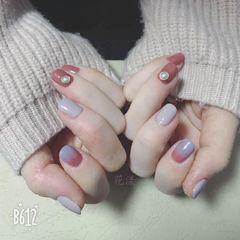 方圆形日式渐变蓝色粉色灰色森女风美甲温柔 小清新 粉灰色渐变 秋冬季美甲图片