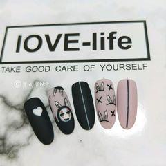 可爱手绘紫色黑色裸色圆形心形磨砂手绘美甲2018预热款美甲图片