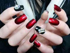 方圆形简约韩式红色银色黑色钻纯色  跳色   堆钻  黑色  红色  饰品  新娘  镜面红  2017新款  冬季新款美甲图片