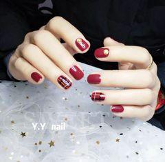 方圆形日式手绘红色黑色白色格纹钻英伦风格纹达人Y.Y美甲格纹,钻饰美甲图片