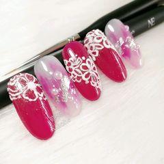 圆形简约手绘红色粉色白色珍珠新娘小鹿胶美甲图片