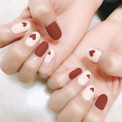 圆形简约韩式红色白色灰色美甲图片