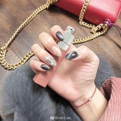圆形灰色猫眼钻贝壳片来源:微博:cecil-oo美甲图片