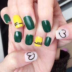 方圆形简约手绘黄色绿色黑色心形磨砂磨砂美甲图片